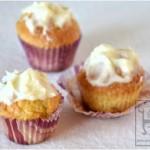 Cupcake alla vaniglia con glassa al cioccolato e mascarpone