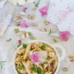 Pennette con mollica, acciughe, pistacchi e pecorino