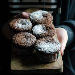 Muffin al cioccolato con cuore morbido